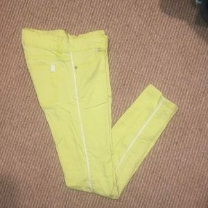 NEON 💛😽 Yellow Youth 10 Joes Jeans
